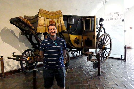 El Fuerte de San Diego: An old carriage.