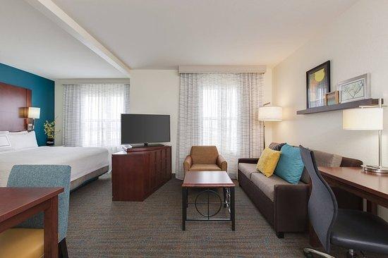 Bedford Park, IL: Suite
