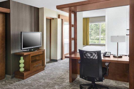 Bellport, NY: Suite
