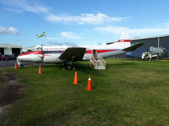 Bay of Plenty Region, นิวซีแลนด์: New Zealand National Airways Corporation