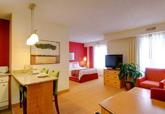 Residence Inn Frederick: Suite