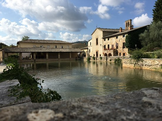 Foto di bagno vignoni foto di bagno vignoni provincia - Adler terme bagno vignoni last minute ...