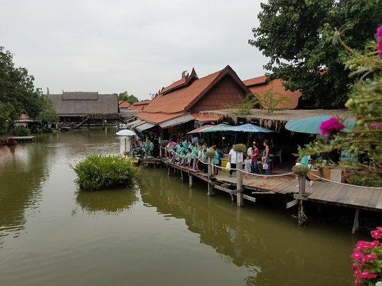 Ayothaya Floating Market & Elephant Village