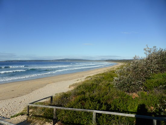 Merimbula, Australia: The beach