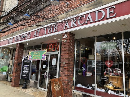 Asbury Park, Nueva Jersey: 658 Cookman Aven in the Shoppes at the Arcade downstairs #18