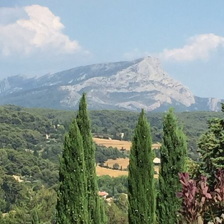 photo0.jpg - Picture of Les Lauves, Aix-en-Provence - Tripadvisor