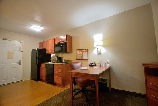 Candlewood Suites Secaucus: Guest room