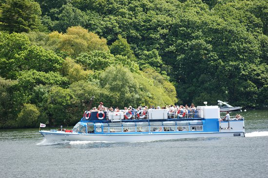 Windermere Lake Cruises: Another of the tour boats