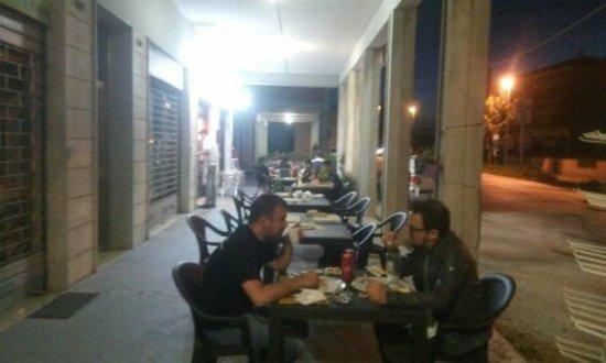 Pizzeria i portici san martino ristorante recensioni for Bar ai portici