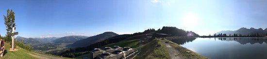 Going, Austria: Blick Brenneralm See mit Panorama vom Wilden Kaiser