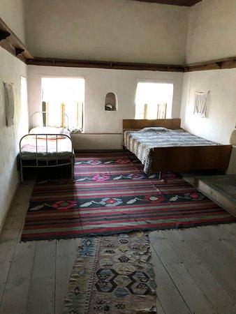 Skenduli House: Moderne Einrichtung