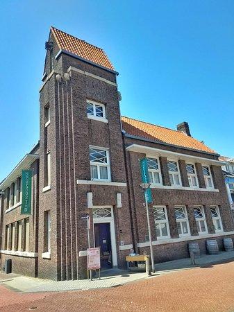 Terneuzen, The Netherlands: Schooltijd museum in een prachtig oud bankgebouw