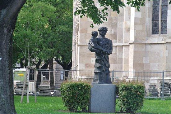 Statue Sankt Antonius von Padua