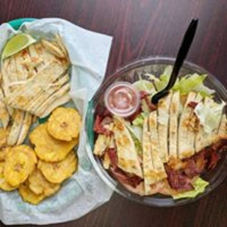 Passaic, NJ: Theres nothing better than variety and trust me Tropical Juice bar has plenty of different meals