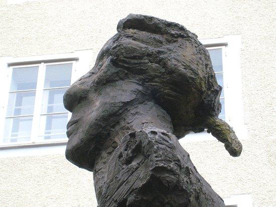 Hommage to Mozart Sculpture