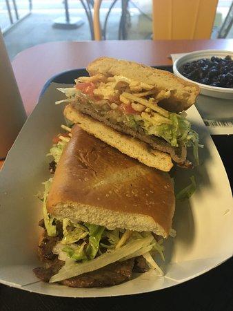 Mad Cuban Cafe: photo0.jpg