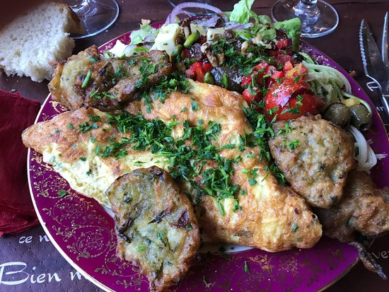 Serriera, France : Omelette au fromage corse