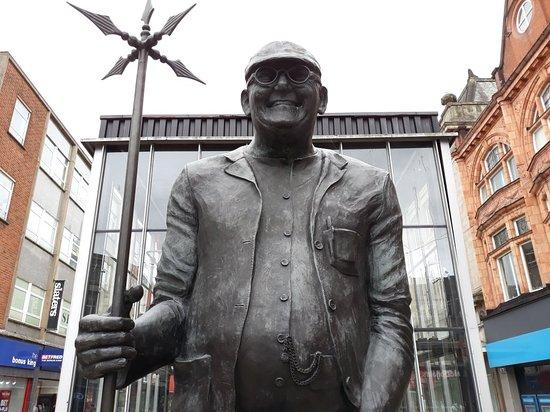 Fred Dibnah Statue: 20180721_140152_large.jpg