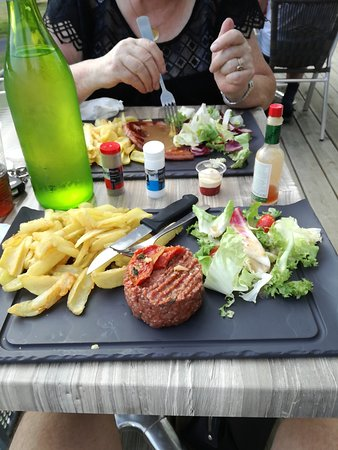 Le Chesne, Frankreich: MmsCamera_2018-07-21-19-12-34_large.jpg