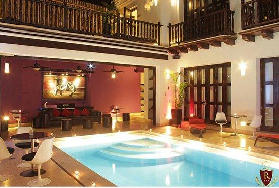 Royal Cartagena VIP: MOST AMAZING 5 BEDROOM HOUSE IN CARTAGENA! PRIVATE INDOOR POOL