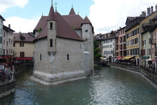 La Sapiniere: Side trip to nearby-ish Annecy