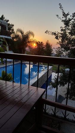 Lysos, Chipre: Beautiful Sunset