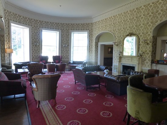 Owston, UK: The lounge