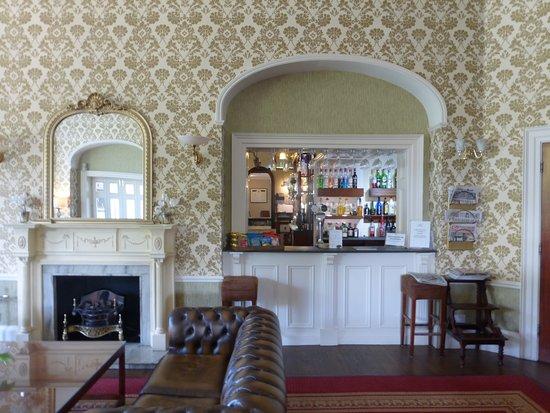 Owston, UK: Bar to lounge