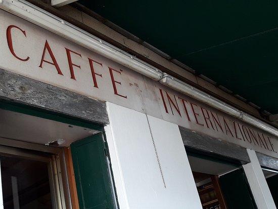 Caffe Internazionale: Frente del local