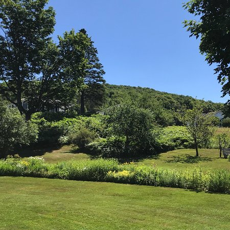Greensboro, VT: Great place to while the day away & enjoy the views