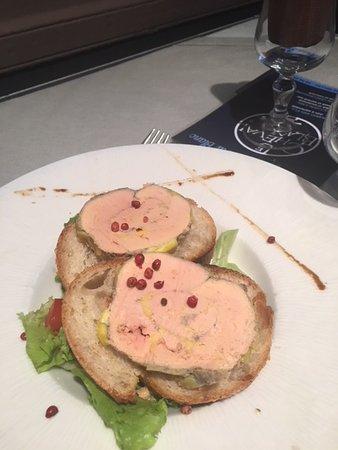Auberge Le Cheval Blanc: Foie gras maison aux baies rouges