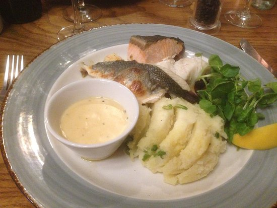 The Royal: Seafood Mixed Grill