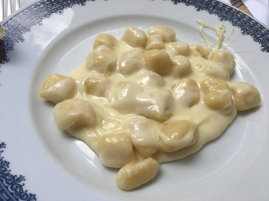 Piperno: Gnocchi with cheese - delicious