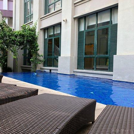 ذا ماجيستيك مالاكا: Swimming pool area