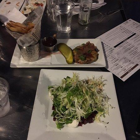 Edgewater, NJ: Salad and burger