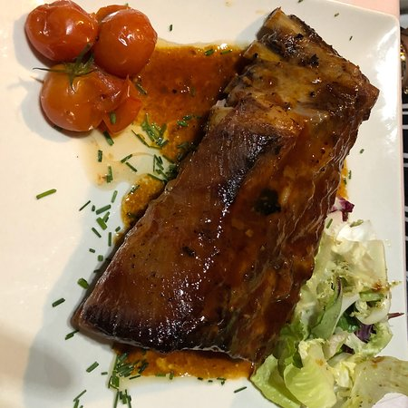 New Horizon Steakhouse: photo2.jpg