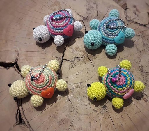 amigurumi turtle, cute key chain, small animal, crochet, gift ... | 450x512