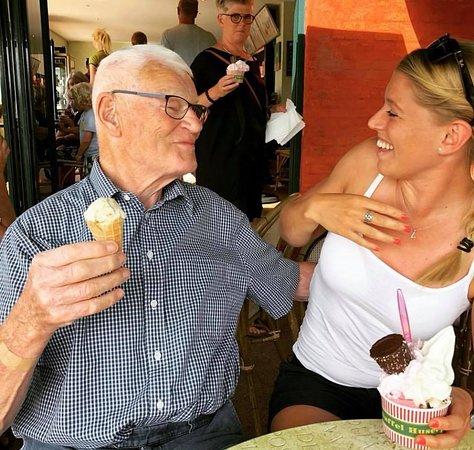Oster Hurup, Denmark: dejligt med flere glade generationer