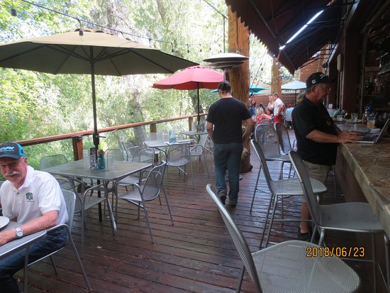 Riverside Grill: patio