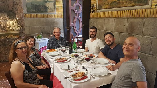Food Tours of Rome: Excellent pasta dishes and wonderful company!