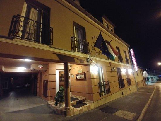 Hotel Barbakan Prices Reviews Pecs Hungary Tripadvisor
