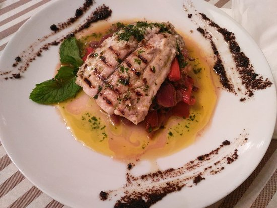 Gutkowskino. Cucina & Bar Resmi