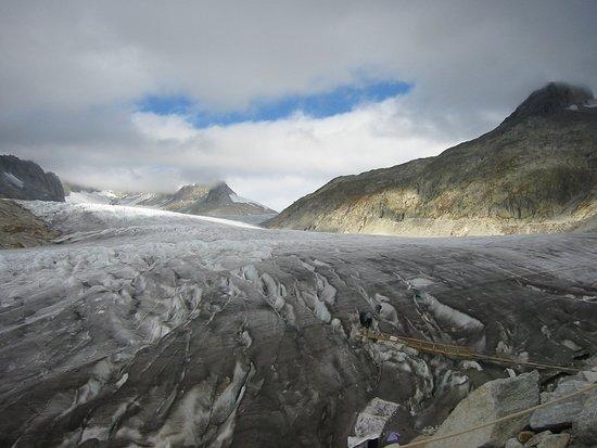Gletsch, Suíça: 2005 ice grotto entrance