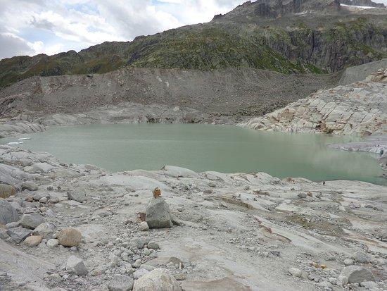 Gletsch, Suíça: 2017 former 2003 ice grotto entrance