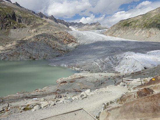Gletsch, Suíça: 2017 ice grotto entrance midright