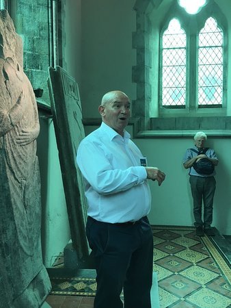 St. Mary's Collegiate Church: JERRY our Guide- there was more than one person listening!!