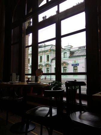 """Кафе """"Есть Хинкали & Пить Вино"""": Interior and street view."""