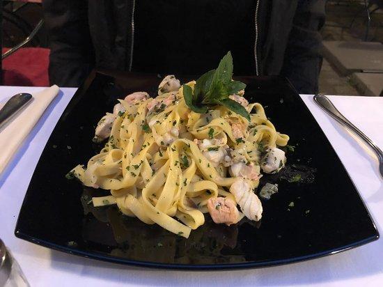 Osteria il Ritrovo: Pasta with fish
