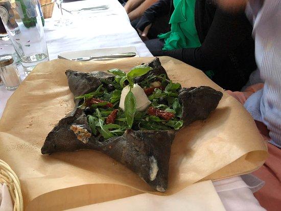 Osteria il Ritrovo: Black Star Pizza