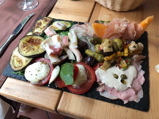 Osteria il Ritrovo: Mixed Antipasti